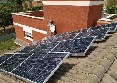 Dues instal·lacions fotovoltaiques per autoconsum residencial